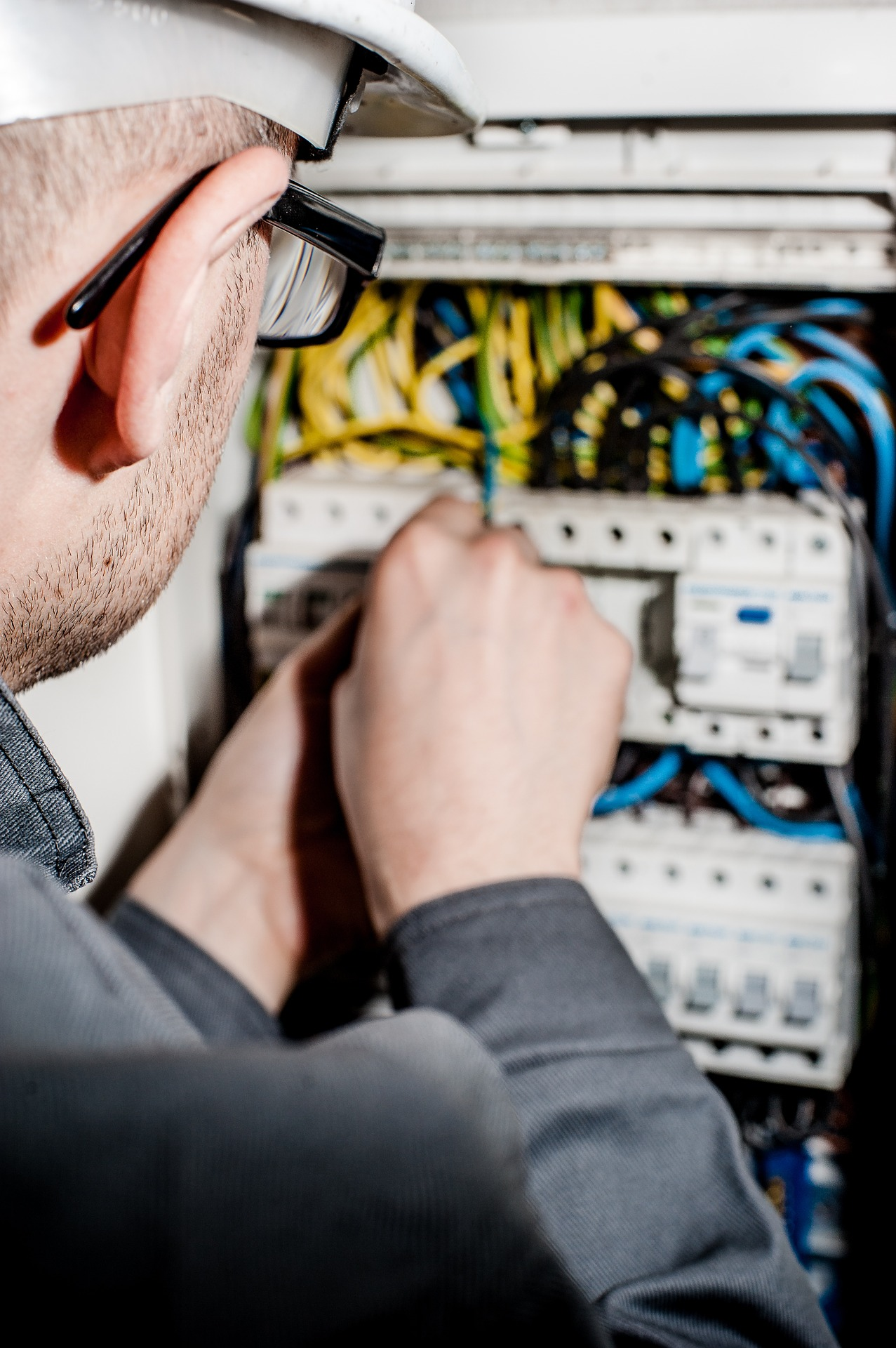 commercial electrical services1